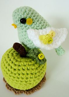 How cute! Looks relatively easy, too. Might give it a whirl when I get the hang of amigurumi.