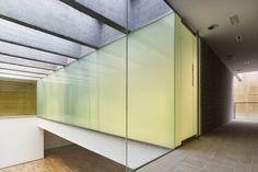 Indoor Swimming Pool in Toro | Vier Arquitectos #glass