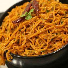 Chilli Garlic Maggi recipe by Saman Sheikh at BetterButter Veg Dishes, Food Dishes, Rice Dishes, Indian Food Recipes, Ethnic Recipes, Indian Snacks, Bhel Recipe, Capsicum Recipes, Maggi Recipes
