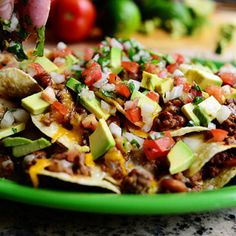 It's Super Bowl week, and you know what that means: NACHOS! It really is all about the nachos. (Don't tell the Seahawks and Patriots I said that.) Here's the step… Saucy, slightly spicy, and perfect for the big game! Chocolate Chip Cookies, Chocolate Chocolate, Super Nachos, Cowboy Food, Chicken Nachos, Pizza Nachos, Chicken Enchiladas, Shrimp Nachos, Beef Nachos