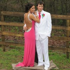 Cute pose for prom!