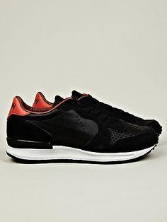 7b2cc4a2124 Nike Men s Air Solstice Premium NSW NRG Sneaker in black Stylish Mens  Fashion