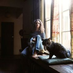Carole King photographed for the Tapestry LP cover at her home in Laurel Canyon, Los Angeles, January 27, 1971.