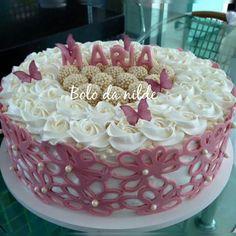 Simple Buttercream Cake Chocolate Buttercream Cake, Chocolate Filling For Cake, Buttercream Cake Designs, Cake Icing, Cupcake Cakes, Cake Filling Recipes, Cake Recipes For Kids, Frosting Recipes, Whipped Cream Cakes