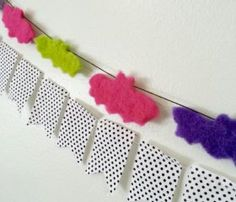 Magnificent - Bat garland DIY on our blog! And if you're short on time, just make a brooch! - Top Fall Projects for Sunday #crafts #DIY  #crafts #dailycraftinspiration #DIY #hacks #handmade #homemade #topcrafts Check more at https://boxroundup.com/2016/10/23/top-fall-projects-sunday-crafts-diy-3/