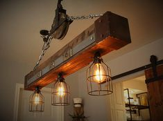 Pulley Light Beam Industrial Vintage - ***Personalize the Vintage sign and also pulley wheel*** Original industrial rustic style pulley li - Farmhouse Lighting, Rustic Lighting, Kitchen Lighting, Lighting Design, Cabin Lighting, Pulley Light, Light Beam, Luminaire Vintage, Rustic Light Fixtures