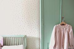 P ö m p e l i pompeli vintage style girl room, mint green, pale pink and natural tones, antique furnitures, noa noa cardigan, dotty wallpaper harlequin