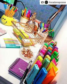 #Repost @focadonaposse ・・・ A vida tem a cor que você pinta! #meucantodeestudos