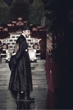 The Sound of a Flower (Hangul: 도리화가; hanja: 桃李花歌; RR: Dorihwaga) is 2015 South Korean period drama film based on the life of Jin Chae-seon, who became Joseon's first female pansori singer in 1867. Jin risks her life by cross-dressing as a man, at a time when women were forbidden to sing in public or perform on stage. The film focuses on the relationship between Jin and her pansori teacher, Shin Jae-hyo. The Korean title, Dorihwaga, is a song written by Shin about his protégée after she…