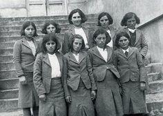 Köy Enstitüsü kız öğrencileri