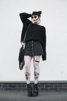 Love the garter and sweater Indie Outfits, Grunge Outfits, Edgy Outfits, Cute Outfits, Fashion Outfits, Grunge Goth, Hipster Grunge, Dark Fashion, Gothic Fashion