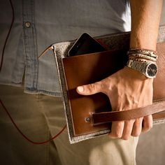 Tablet Case Heritage Cigar Collection...simple, linear, elegant...just this...