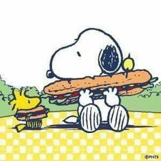 Snoopy Mr Woodstock 🍔🌮🥪🥠🍪🍩🍫🍭🍦🍾🐥👄👅👁💛💚𗀤🐾🐾🐾𗁮💛 on Eat a Hoagie Day Snoopy Comics, Snoopy Cartoon, Peanuts Cartoon, Peanuts Snoopy, Peanuts Comics, Charlie Brown Und Snoopy, Meu Amigo Charlie Brown, Snoopy Images, Snoopy Pictures