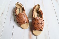 SIZE 9 1/2 W Vintage Boho Brown Leather Woven by 601VINTAGE, $35.00