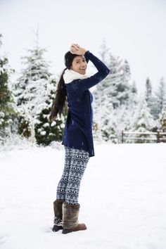 Cute Cozy Snow Outfit: navy blue and patterned leggings paired with uggs