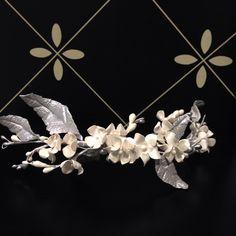 Tiara de porcelana blanco y plata. Se puede personalizar en el tamaño y color que más te guste! #eltocadordelanoviazaragoza