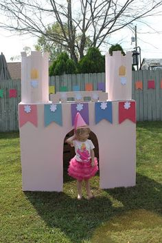 69 Trendy Ideas For Princess Party Games For Kids Cardboard Boxes Princess Party Games, Kids Party Games, Princess Birthday, Games For Kids, Cardboard Box Castle, Cardboard Box Crafts, Castle Playhouse, Castle Party, Backyard For Kids