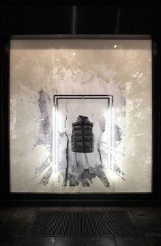 Calvin Klein icebergs windows by StudioXAG Worldwide Winter Window Display, Window Display Design, Shop Window Displays, Store Displays, Retail Windows, Store Windows, Visual Merchandising Displays, Calvin Klein, Showcase Design