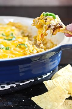 Cheesy Mexicorn Dip a hearty dip perfect for game day snacking. Dip Recipes, Mexican Food Recipes, Cooking Recipes, Sweets Recipes, Paleo Recipes, Recipies, Party Dips, Party Snacks, Yummy Appetizers