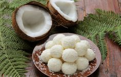 bomboane cu nuca de cocos Romanian Desserts, Caramel, Deserts, Stuffed Mushrooms, Dessert Recipes, Coconut, Sweets, Vegetables, Dessert