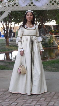 29. #Court Gown - 41 Incredible Ren #Faire Costumes ... → #Fashion #Fairy