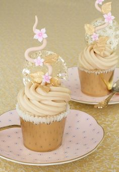 Mascarpone And Caramel Cupcakes /Tartas Cakes Haute Couture.......