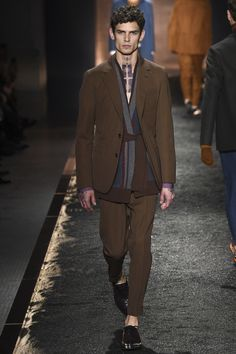 Berluti Fall 2016 Menswear Collection Photos - Vogue