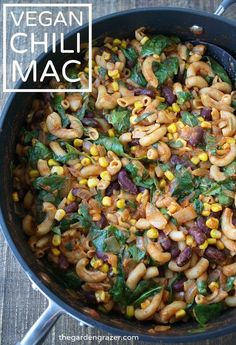 One of our favorite go-to dinners with simple ingredients yet max flavor! Perfect family meal loved by kids and adults alike (vegan, gf) Veggie Recipes, Whole Food Recipes, Vegetarian Recipes, Cooking Recipes, Healthy Recipes, Vegan Meals, Vegan Food, Chili Mac, Chili Pasta