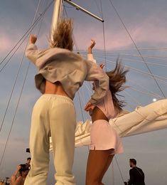 cr to @/julietteperkins_ on ig - #vacantion #dance #dancing #aesthetic #sky #boat #girls #matchy #sweatpants #unreap #fashion #girlsfashion #streetwear #ootfd