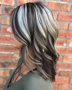 Long Wavy Ash-Brown Balayage - 20 Light Brown Hair Color Ideas for Your New Look - The Trending Hairstyle Brown Hair With Silver Highlights, Chunky Blonde Highlights, Hair Color Highlights, Light Brown Hair, Brown Hair Colors, Caramel Highlights, Dark Brown Hair With Blonde Highlights, Grey Brown Hair, Long Gray Hair
