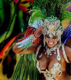 A Beija Flor samba school dancer performs at the Sambadrome in Rio de Janeiro. Carnival Dancers, Carnival Girl, Brazil Carnival, Trinidad Carnival, Carnival Outfits, Rio Brazil, Carnival Themes, Caribbean Carnival Costumes, Carnival Fantasy