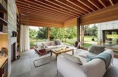 Martha's Vineyard prefab living room leather armchair