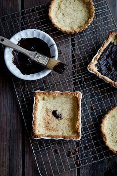 Desserts for Breakfast: Apricot Pistachio Chocolate Mousse Tartlets Apricot Pistachio, Chocolates, Pistachios, Mousse, Chocol Mouss, Pistachio Chocol, Dessert, Apricots, Mouss Tartlet