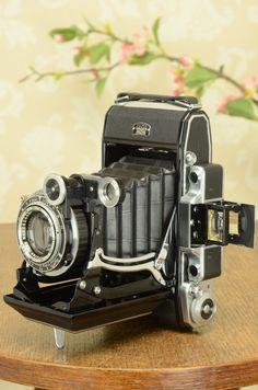 NEAR MINT! 1938 Zeiss Ikon Super Ikonta 6x9, Tessar lens, Compur Rapid shutter.