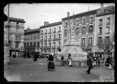 Fuente de la Princesa 1902 | por GAZA - Gran Archivo Zaragoza Antigua Louvre, Street View, Building, Travel, Zaragoza, Old Photography, Antique Photos, Cities, Viajes