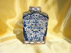 RARE BOITE A THE FAIENCE DE ROUEN DECOR VEGETAL BLEU BLANC  XVIIIE SIECLE
