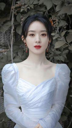 Blackpink Fashion, Korea Fashion, Best Motivational Videos, Angkor Wat Cambodia, White Cherry Blossom, Beyblade Characters, Chinese Actress, Girl Model, Art Girl