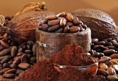 Indian tribes of North America often used for medicinal purposes cocoa . Cocoa tree was valued at the time of Maya and Inca as a special gift from the gods. Cocoa in the past, among other Chocolate Facial, Chocolate Face Mask, Cacao Chocolate, Healthy Chocolate, Healthy Food List, Healthy Recipes, Healthy Hair, Cacao Benefits, Health Benefits