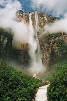 El Salto Ángel en la Gran Sabana. La caída de agua más alta del mundo