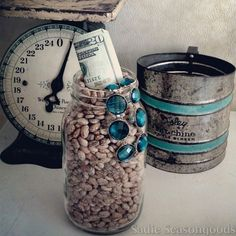 Fun vintage mason jar craft project! Create a bean safe / secret hiding place for all of your goodies using a mason jar, paper towel tube, and some dried beans. #SadieSeasongoods