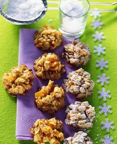 Aprikosenberge mit Haferflocken   http://eatsmarter.de/rezepte/aprikosenberge-mit-haferflocken