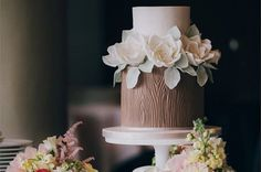 For a beautiful nature-inspired wedding, an enchanted forest or woodland wedding makes a wonderful theme that works for all seasons – spring, summer, autumn and winter. Description from cake-geek.com. I searched for this on bing.com/images