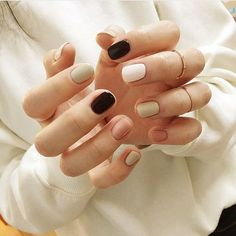 Want some ideas for wedding nail polish designs? This article is a collection of our favorite nail polish designs for your special day. Orange Nail Designs, Black Nail Designs, Trendy Nails, Cute Nails, Classy Nails, Wedding Nail Polish, Short Nails Art, Neutral Nails, Nagel Gel