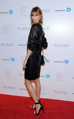 Karlie Kloss' slouchy black leather dress