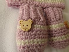 VERY EASY crochet baby mittens tutorial - striped baby gloves •✿• Teresa Restegui http://www.pinterest.com/teretegui/ •✿•