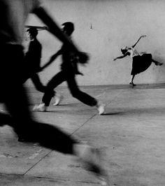 Rita Moreno, West Side Story rehearsal, 1961.  © Phil Stern