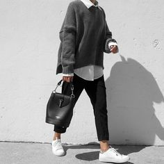 Find images and videos about girl, fashion and style on We Heart It - the app to get lost in what you love. Casual Winter Outfits, Winter Fashion Outfits, Chic Outfits, Trendy Outfits, Outfit Trends, Mode Inspiration, Fashion Inspiration, Looks Style, Everyday Outfits