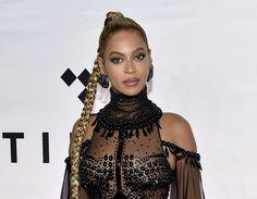 Speváčka Beyoncé čaká dvojičky, oznámila to na sociálnej sieti O radostnú správu sa diva podelila s fanúšikmi.