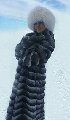 Chinchilla Coat and Fox Hat Chinchilla Fur Coat, Fox Hat, Fabulous Furs, Fur Fashion, Keep Warm, Fur Jacket, Mantel, Fur Babies, Winter Jackets
