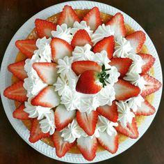 Naked Cake de morango, suspiro e nata #cerejadebolo
